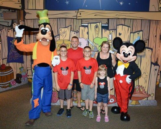 Disney visa cardholder meet and greet at epcot disney visa epcot disney visa cardholder meet and greet at epcot m4hsunfo Choice Image