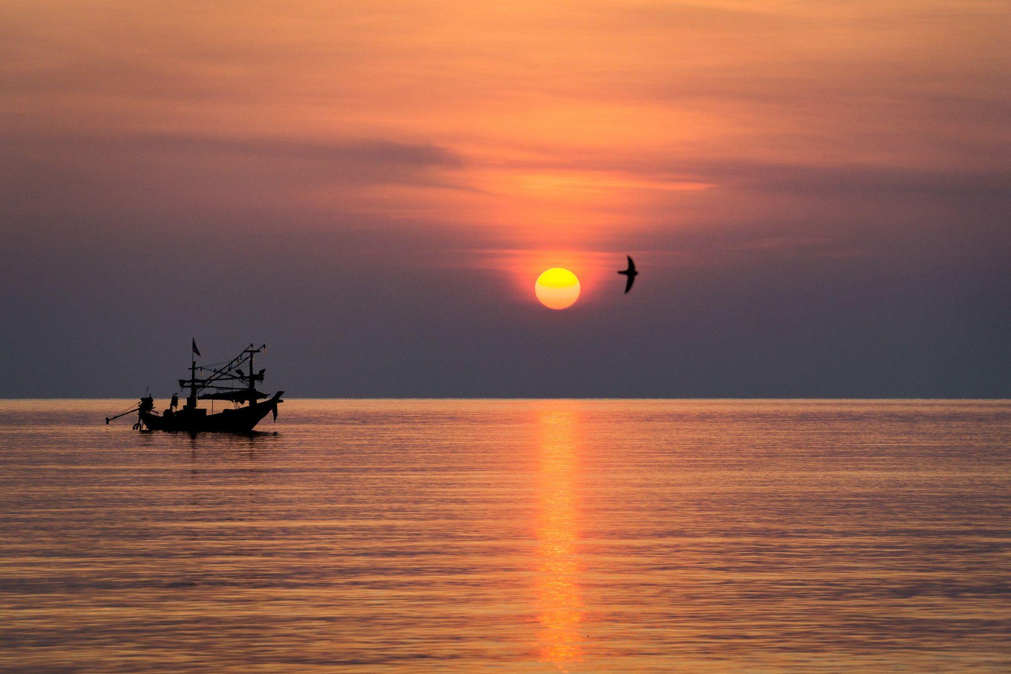 https://flic.kr/p/Fxo5dv   Sunrise   Picture taken at Chaweng Beach, Koh Samui