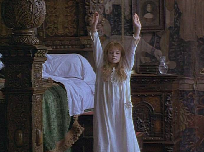 Mary Lennox Bed Google Search The Secret Garden 1993 Secret Garden Movies