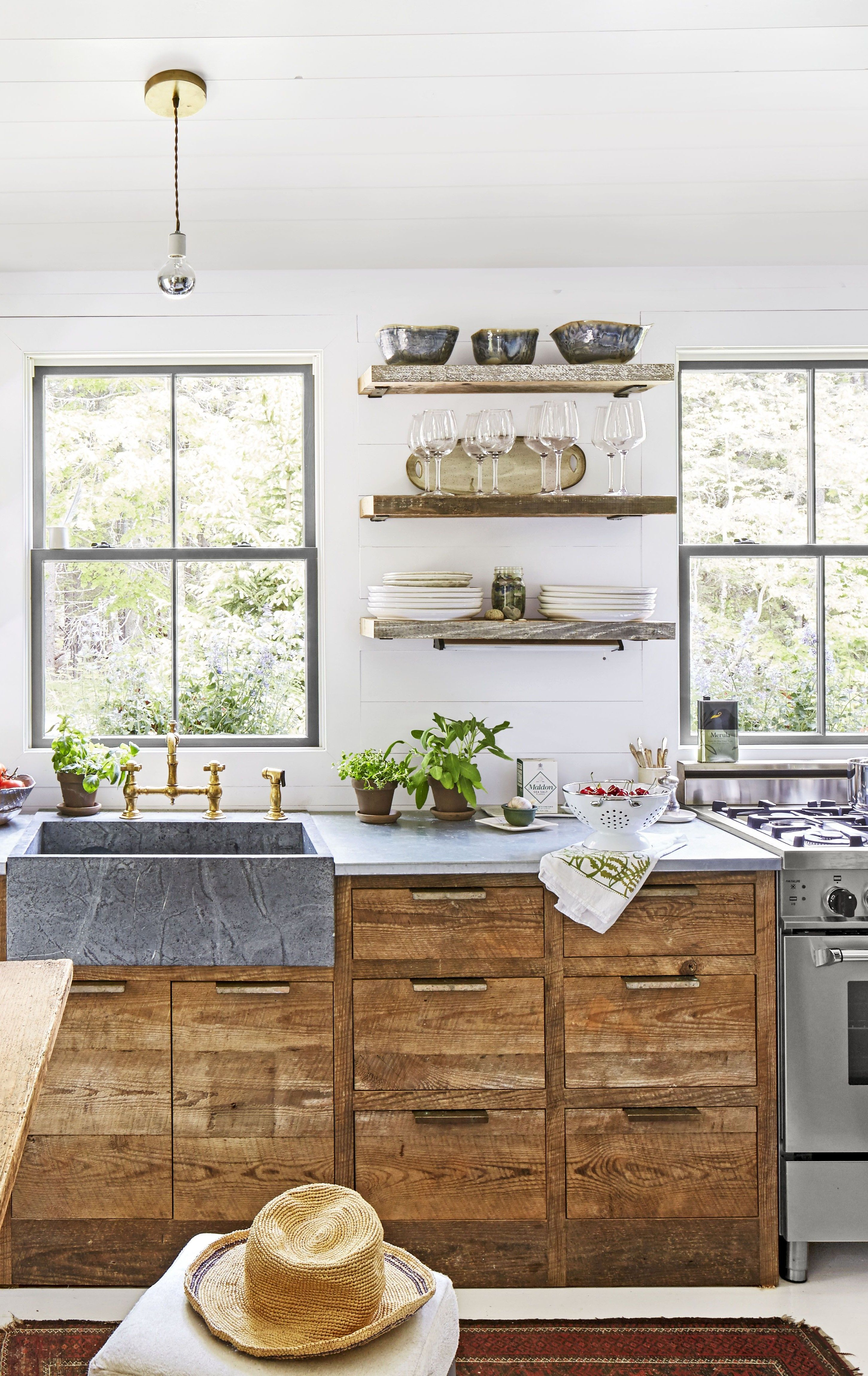 15 Gorgeous Country Kitchens For Your Decorating Inspiration Kitchen Design Plans Kitchen Accessories Decor Kitchen Decor