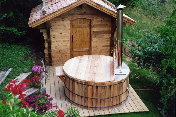 wood fired hot tub cozy wood fired hot tubs 242478. Black Bedroom Furniture Sets. Home Design Ideas