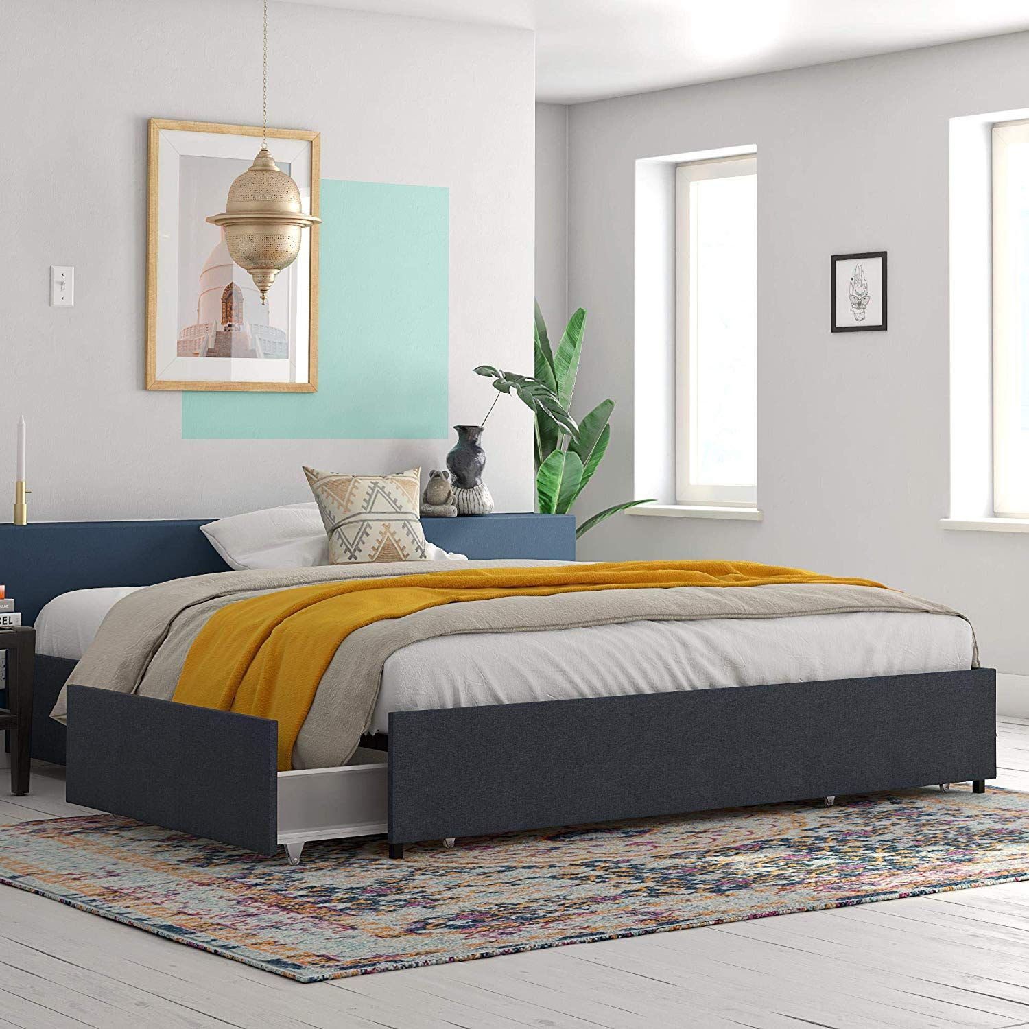 Durability-Canopy-Bed