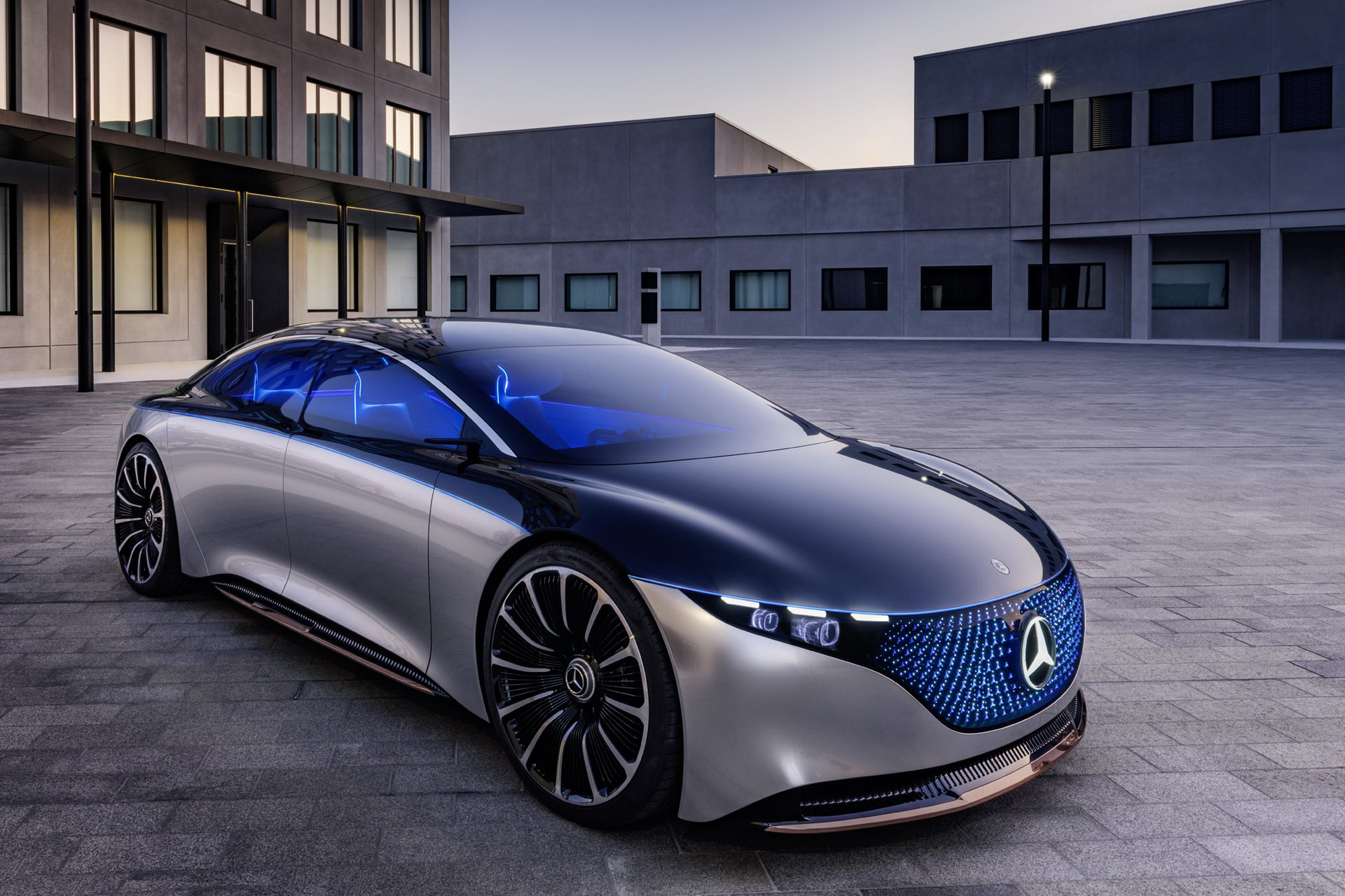 Mercedes Eqs Is Here To Show Tesla What Electric Luxury Sedans Should Be Like Carmojo The Mercedes Benz Vision Eqs Concept Features A Simple Yet Elegant D