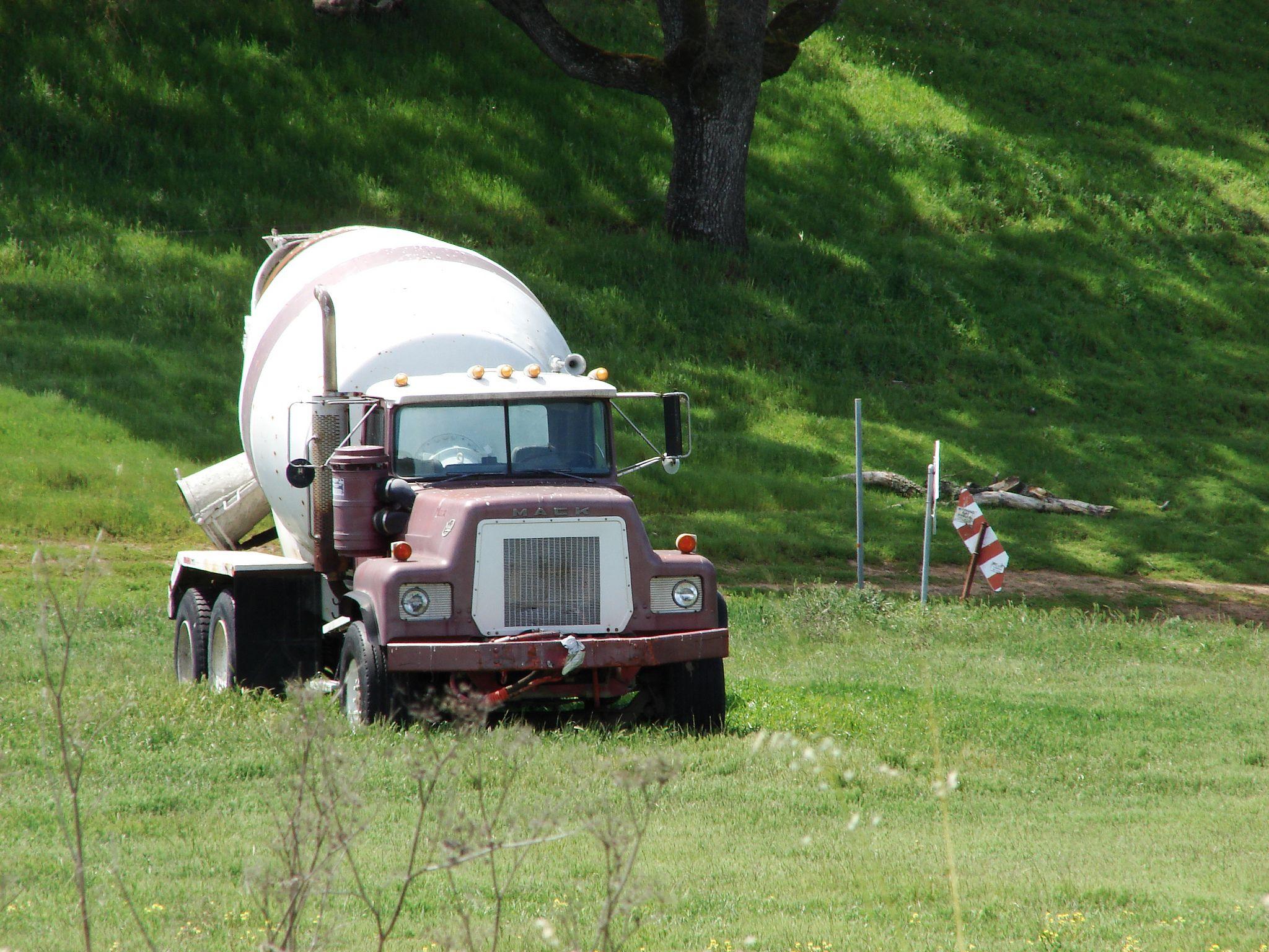 All Sizes Vintage Mack Truck Cement Mixer Flickr Photo Sharing Mack Trucks Cement Mixers Concrete Truck