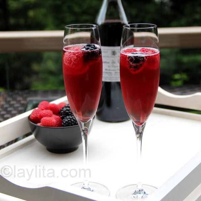 Easy to make recipe for kir royal a classic french for Classic aperitif