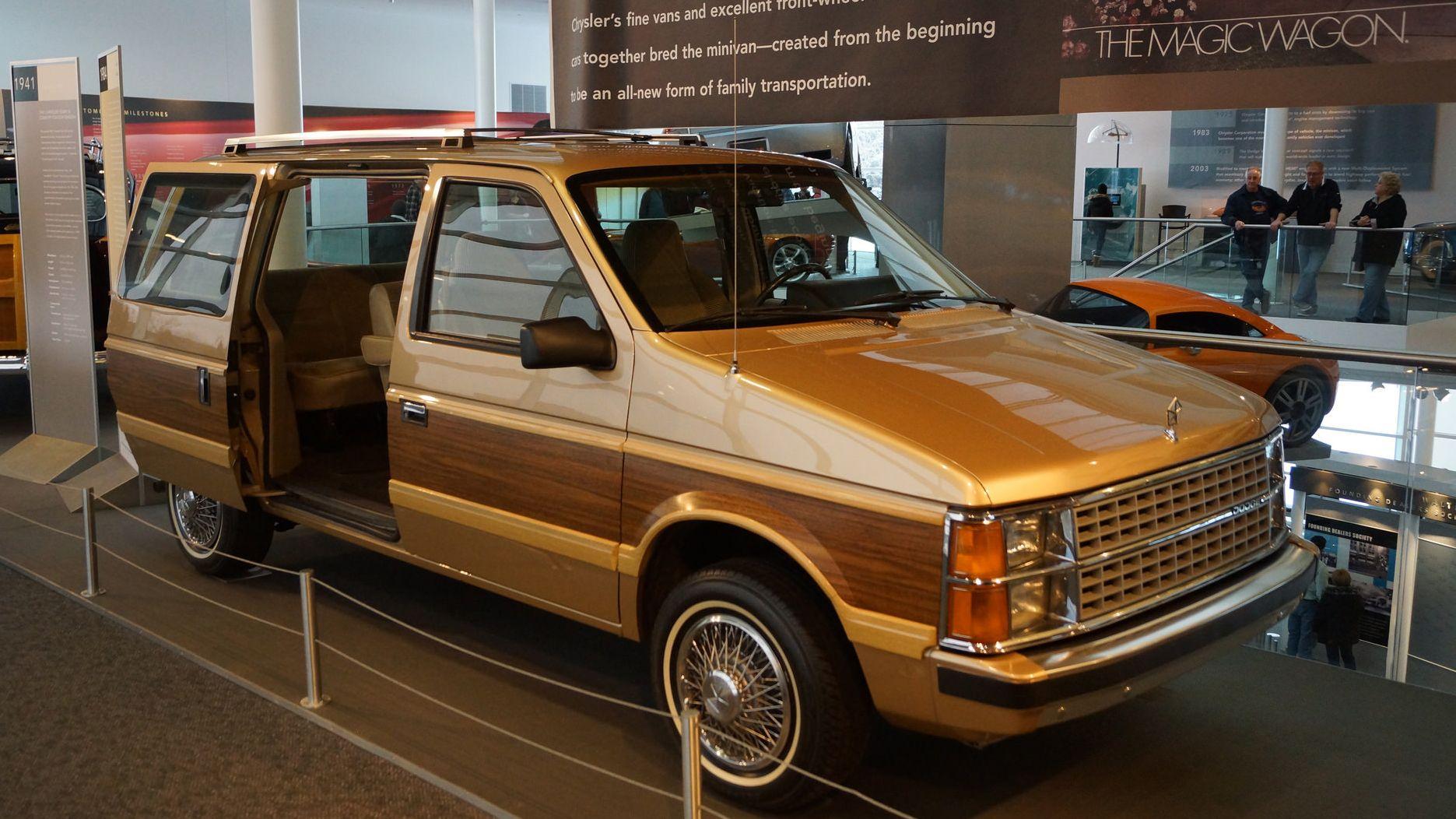 The Very First Dodge Caravan 1984 Dodge Caravan Le In The Walter P
