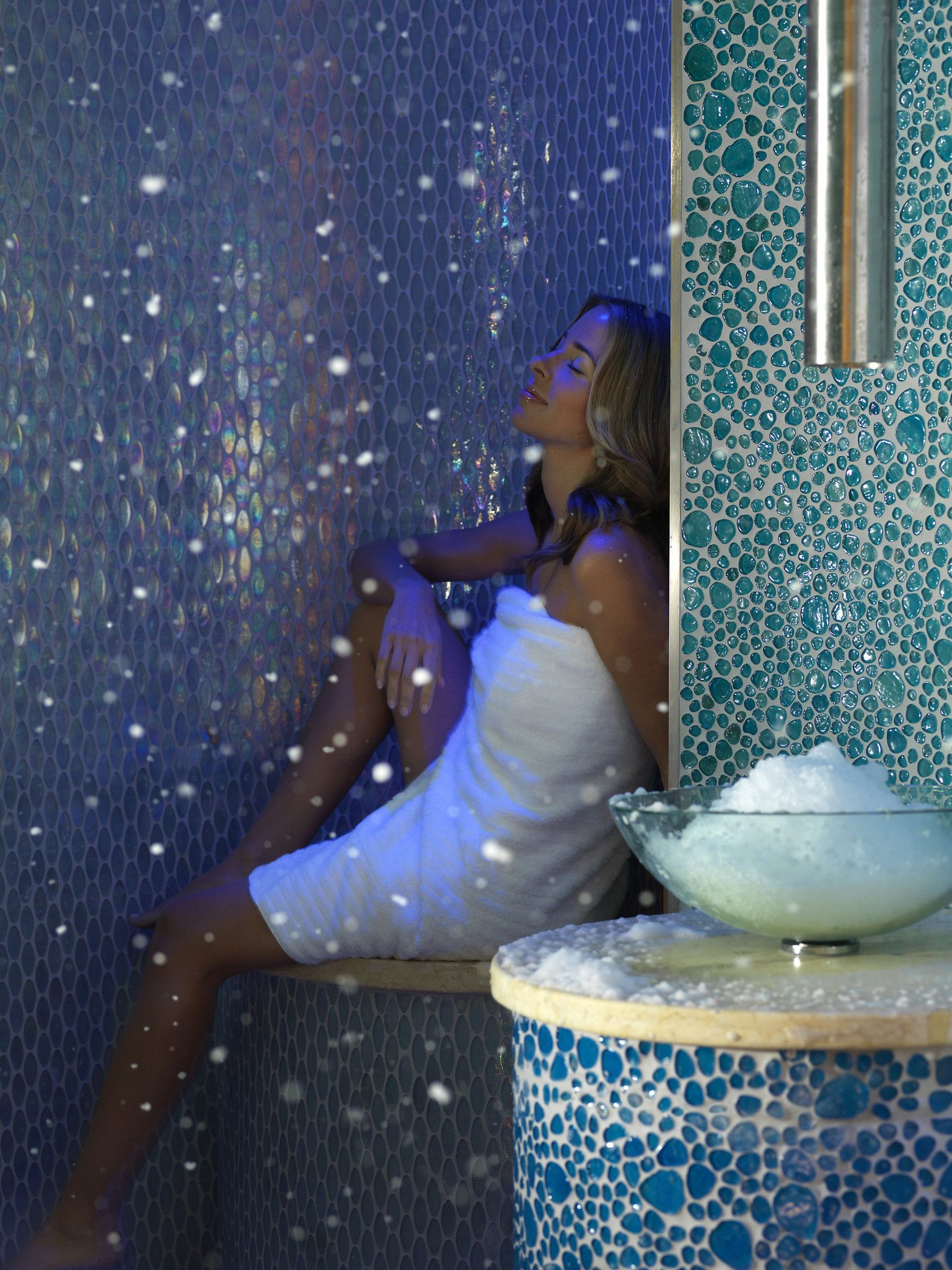 snow room, Vegas the 50,000-square-foot Qua Baths & Spa at Caesars ...
