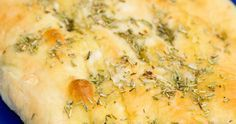 Vous connaissez la focaccia...pâte à pizza, herbes et huile d'olive - Recettes - Recettes simples et géniales! - Ma Fourchette - Délicieuses recettes de cuisine, astuces culinaires et plus encore!