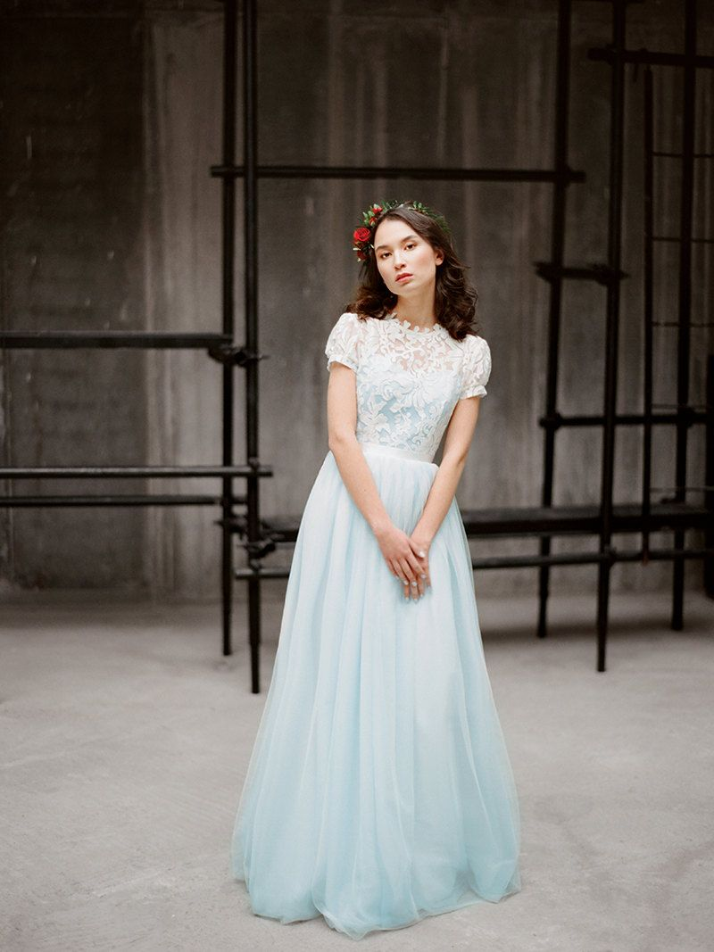 Blue wedding dress with short sleeves