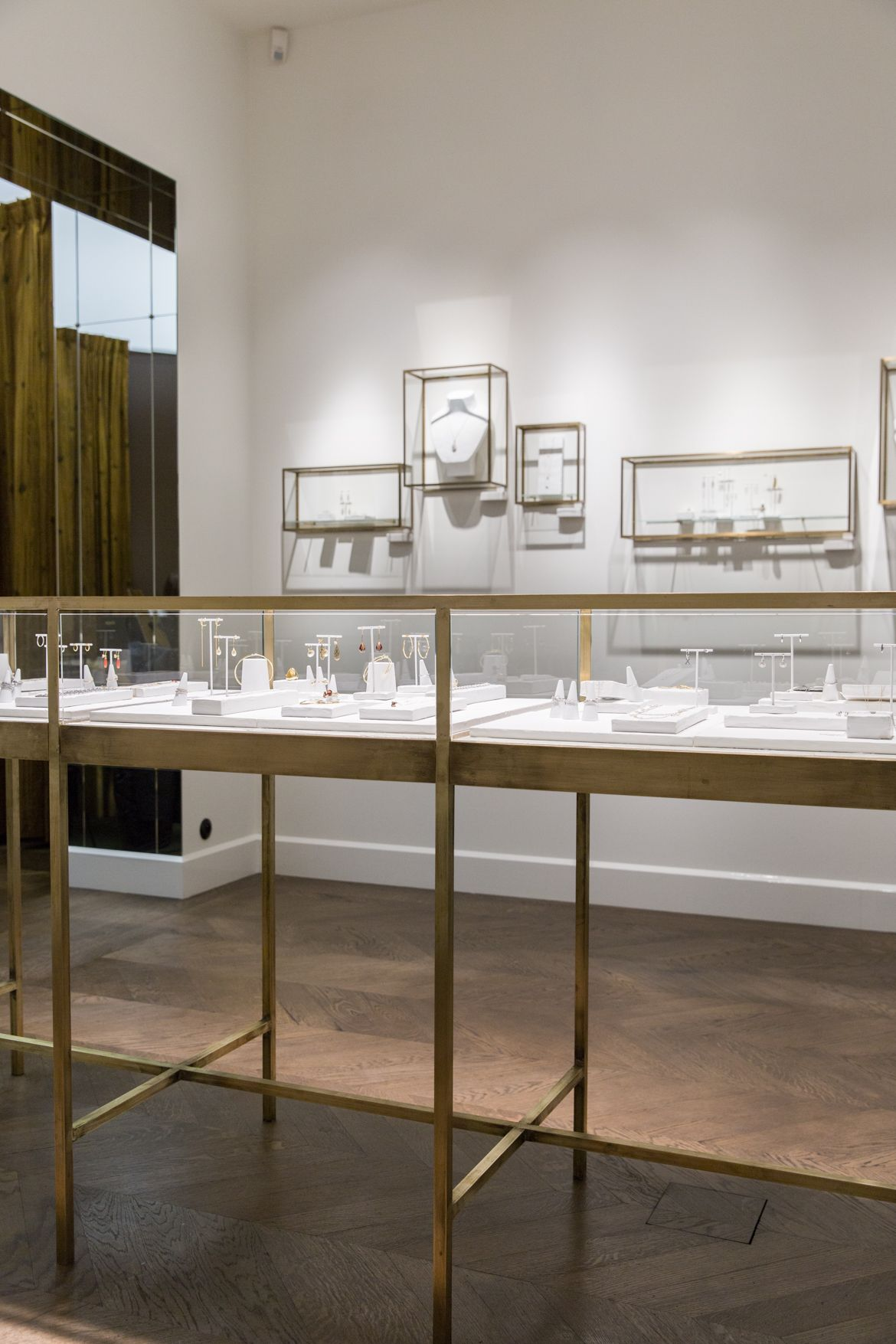Display Case Ideas Wouters & Hendrix in Antwerp - by Æ ...
