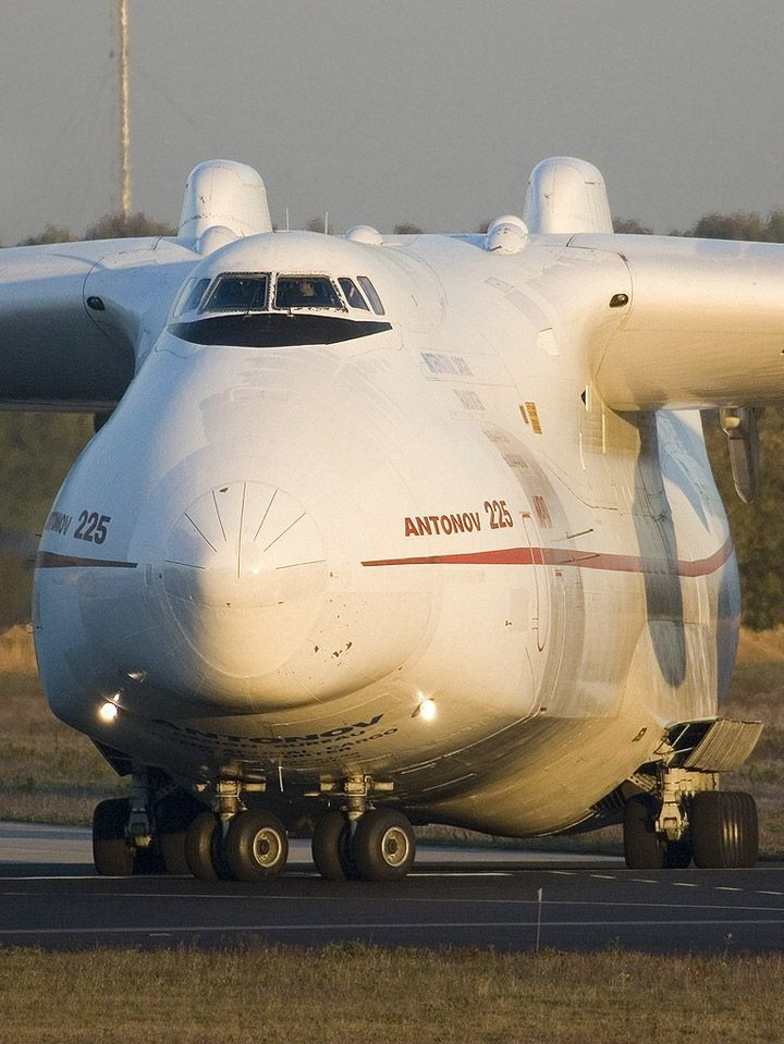 Maior avião Já   Inglês Rússia