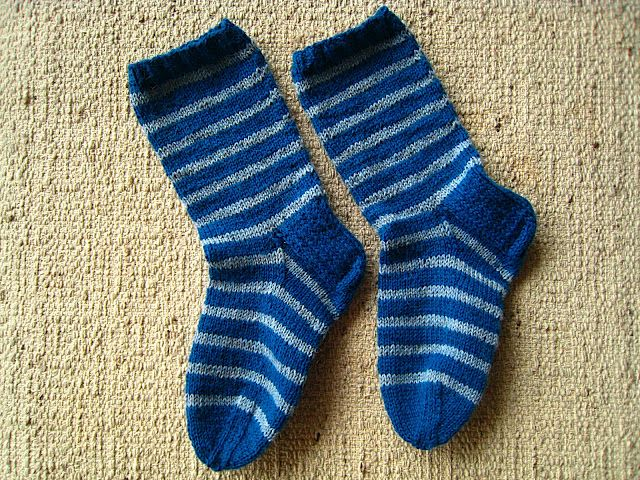 Striped socks // ajatuksiasaksasta.blogspot.com