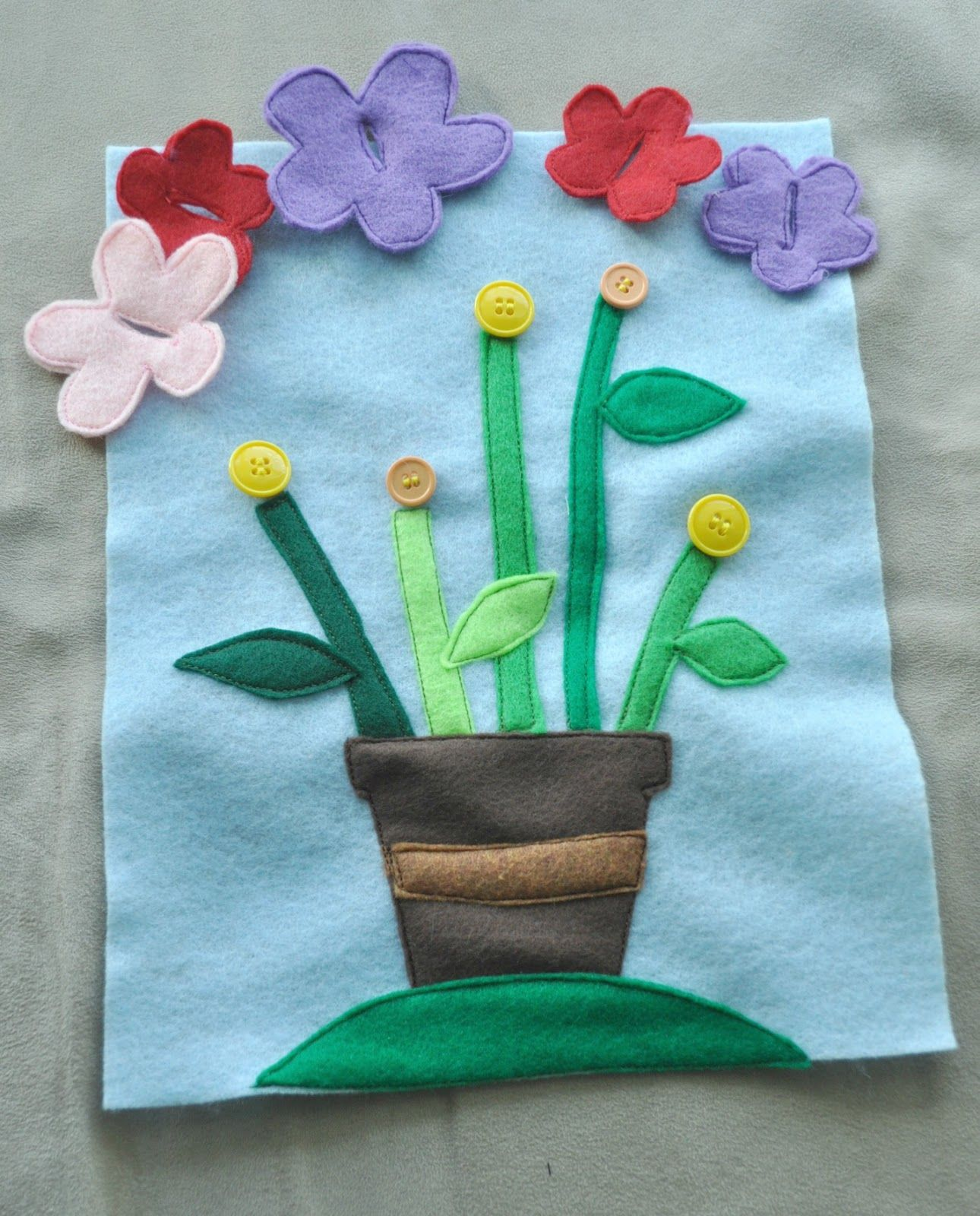 Flower buttoning for dementia patients charity crafts for Crafts to donate to charity