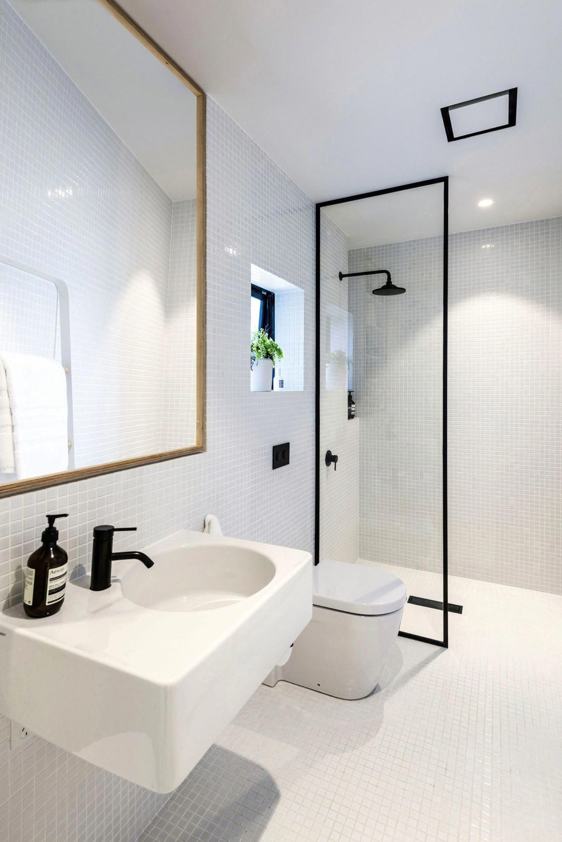 small house in new zealand designed by colab arquitectura on bathroom renovation ideas nz id=96399