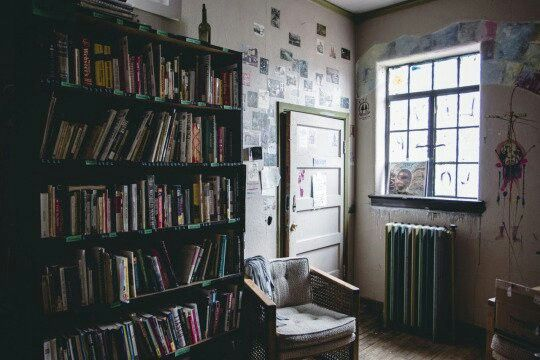 Room. Bedroom. Books. Posters.