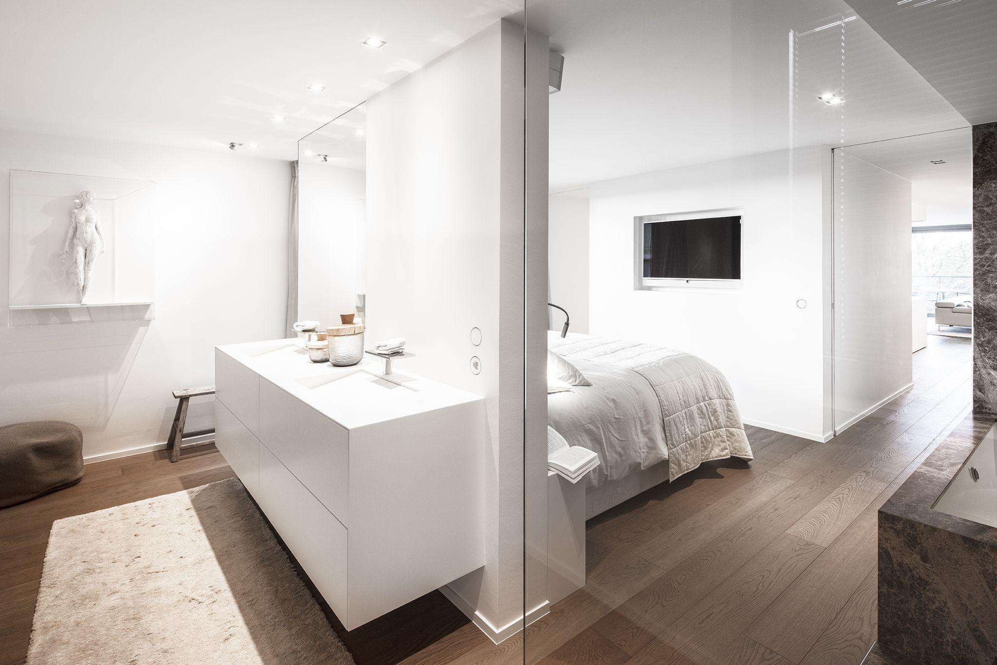 Open Badkamer En Slaapkamer  Modelappartement Door Questo In Brugge