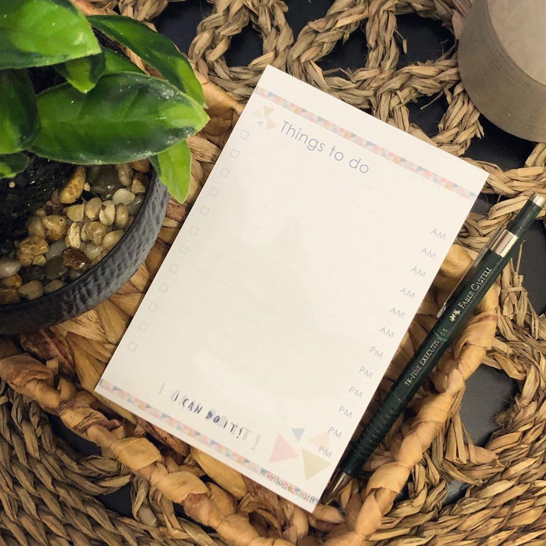 نوته المهام متوفر بالعربي و الانجليزي نوتة مناسبة لكل وقت و لأي مكان صفحات مسطرة صفحات قابلة للنز Book Cover Cards Against Humanity Things To Do