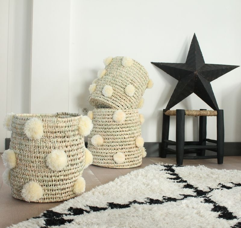 paniers pompons marocains b a s k e t s s t o r a g e pinterest le petit chose. Black Bedroom Furniture Sets. Home Design Ideas