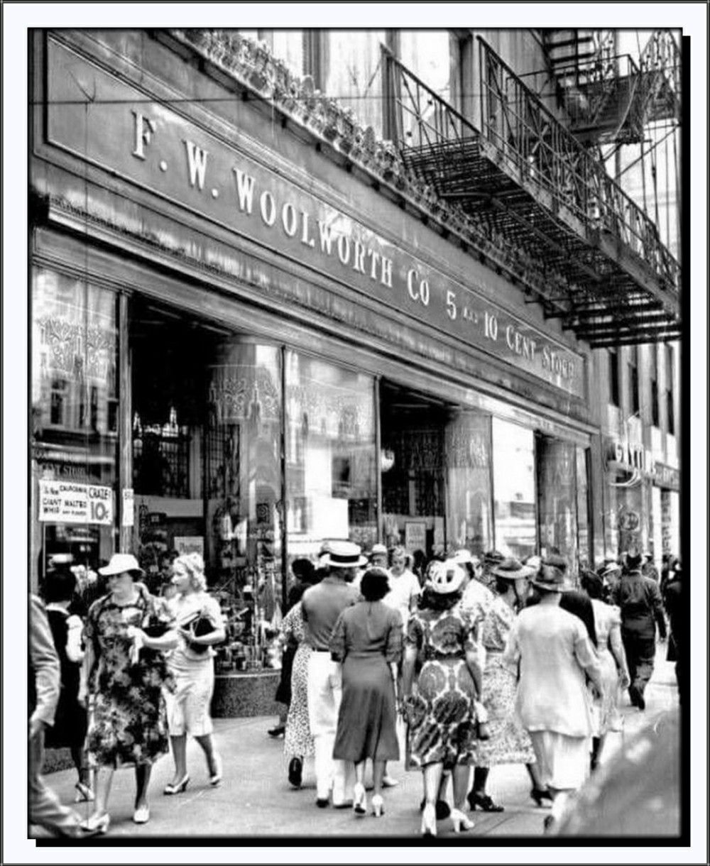 Urban shopping centers became popular as merchants