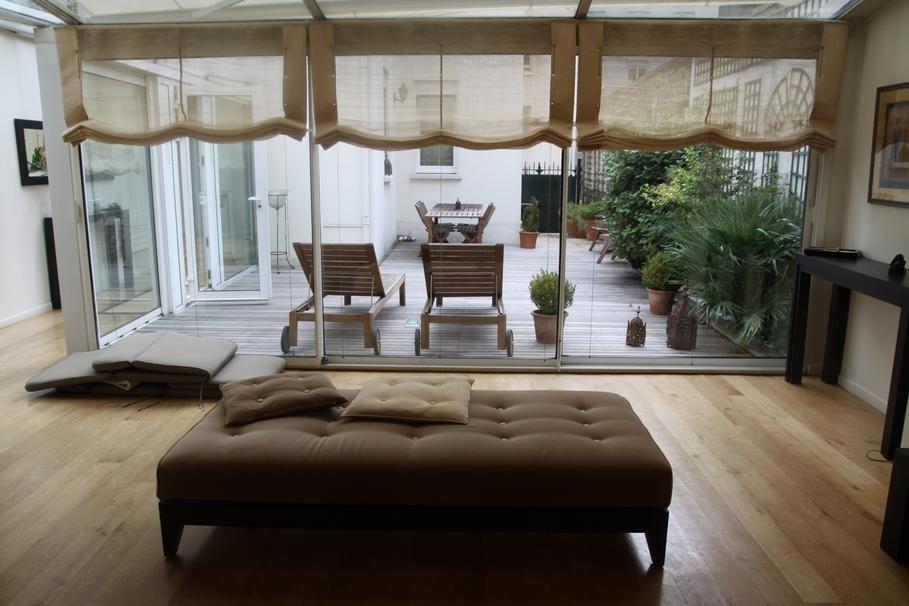 d co salon vue sur la terrasse. Black Bedroom Furniture Sets. Home Design Ideas