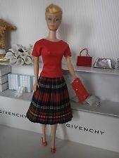 Für Barbiepuppen, Plisseerock mit Shirt...NEU