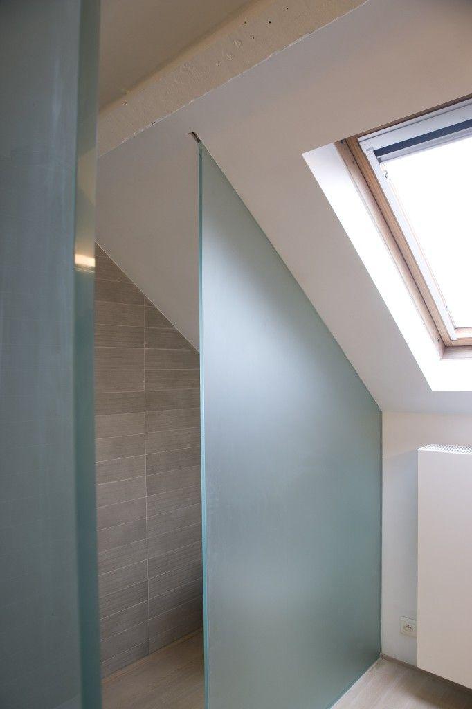 Mooie douche wanden douche onder schuin dak inspiratie badkamer zolder pinterest - Slaapkamer met badkamer en dressing ...