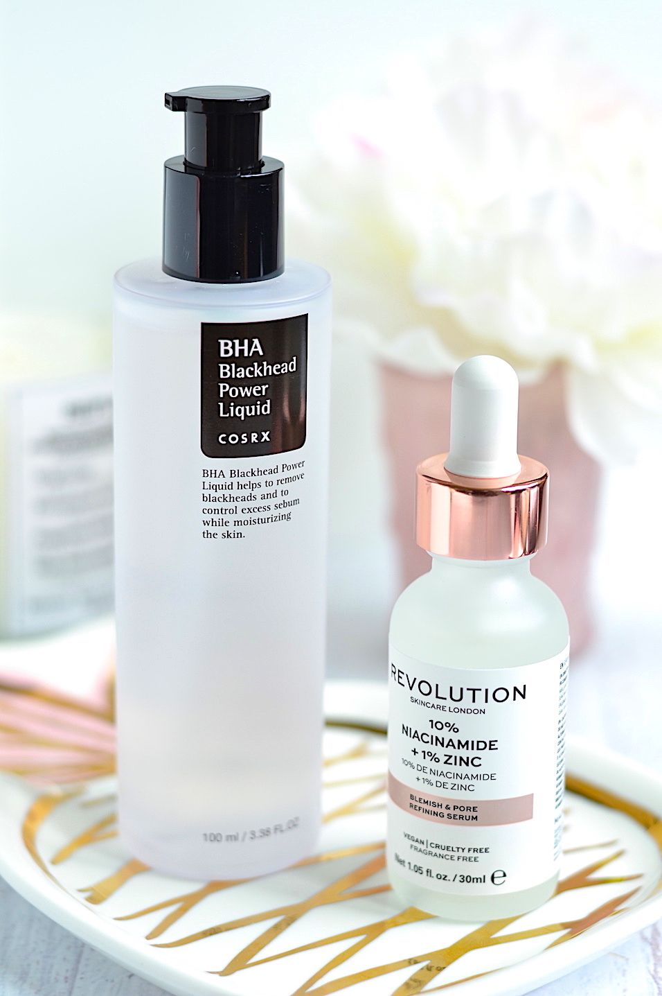 Pore Problems These Skincare Products Really Work To Reduce Large Pores And Blackheads In 2020 Large Pores Beauty Products Drugstore Skin Care