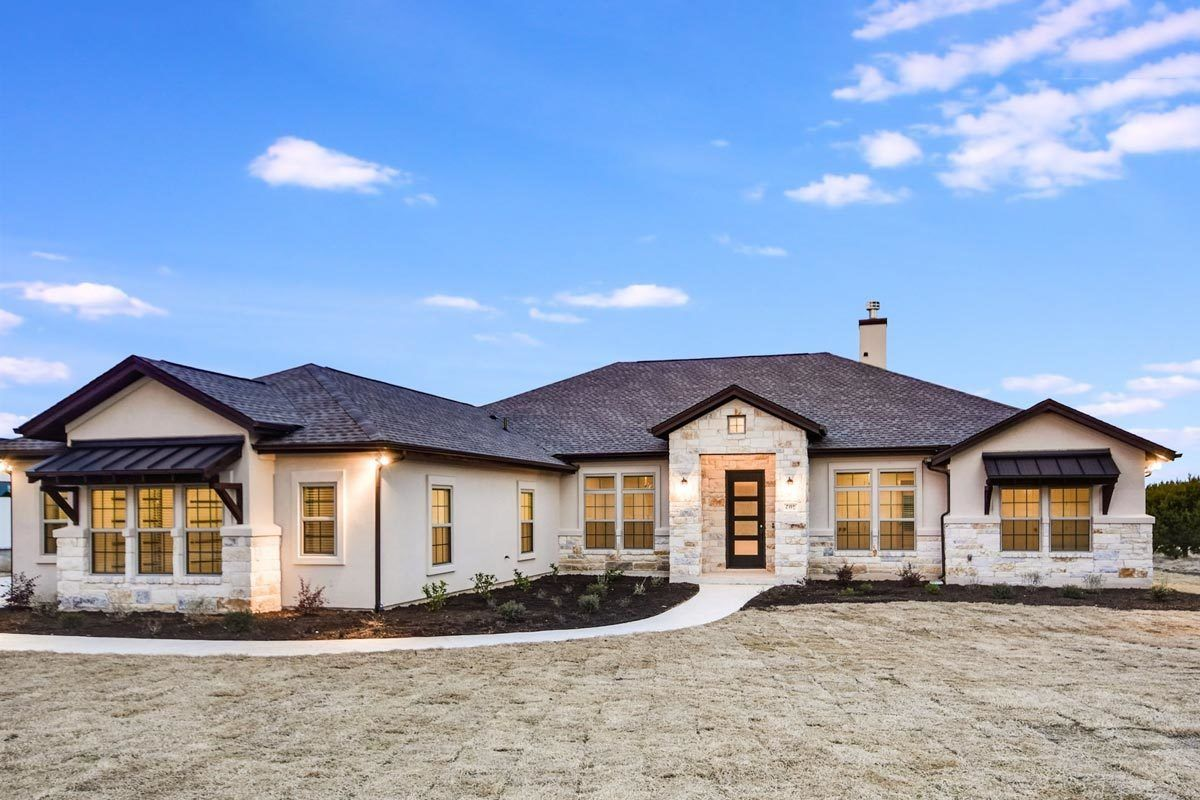 Plan 51795hz One Story Living 4 Bed Texas Style Ranch Home Plan Home Styles Exterior Ranch House Plans House Styles