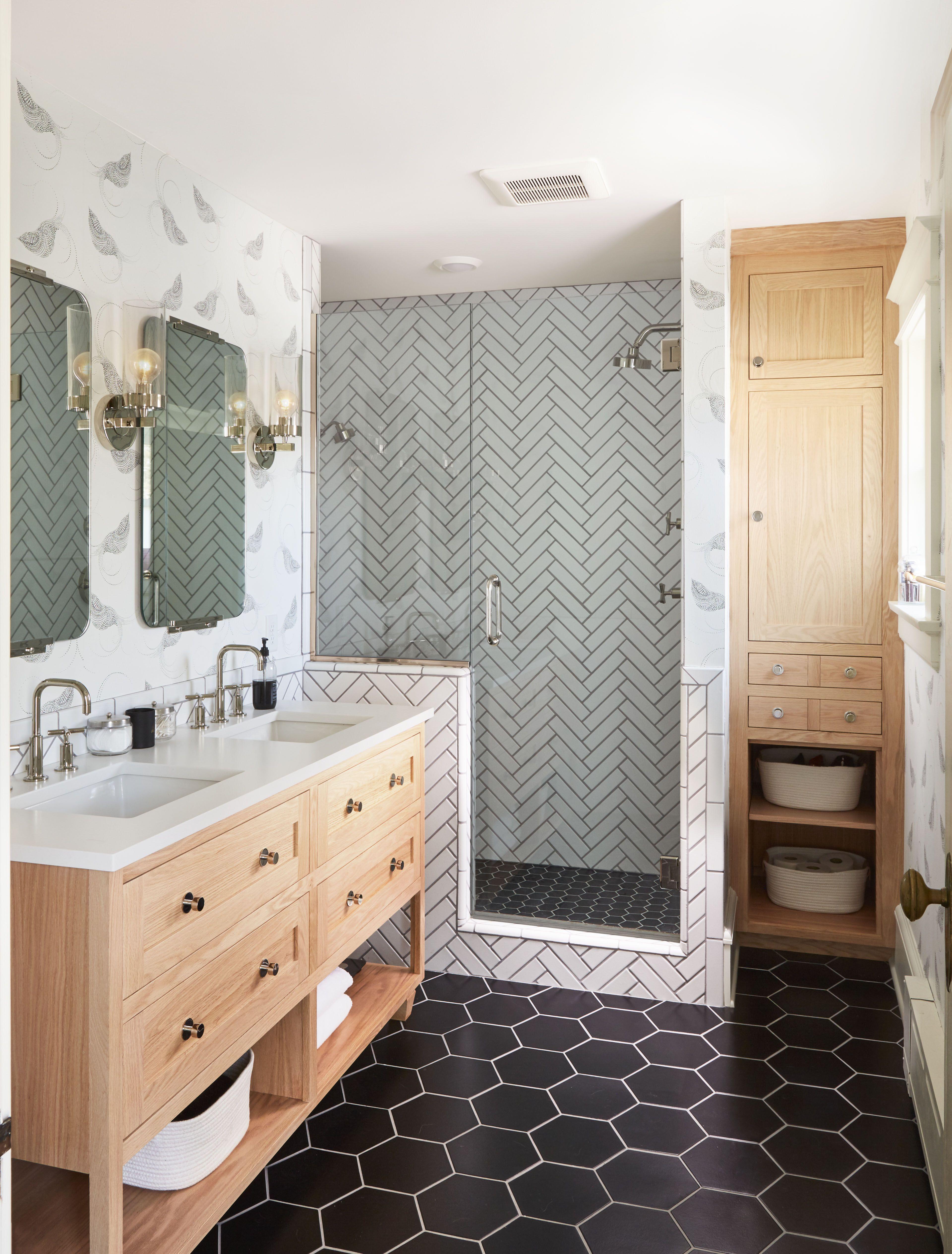 Beschluss Zur Neugestaltung Aimees Hauptbadezimmer Badezimmer Renovieren Badezimmer Design Und Badezimmer Fliesen