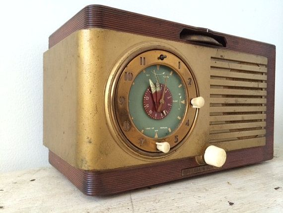 Vintage GE Radio Brown Case with Gold /Green by AdellaidE on Etsy