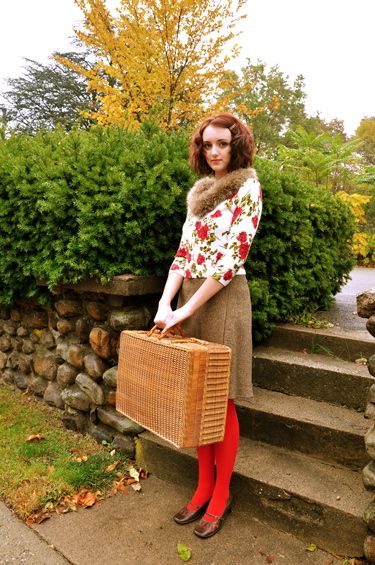 how to wear vintage Red tights!