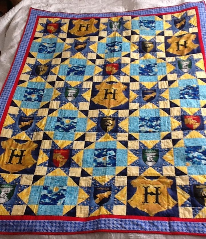 Quilt number one. Harry Potter quilt. years ago I found the ... : harry potter quilt - Adamdwight.com