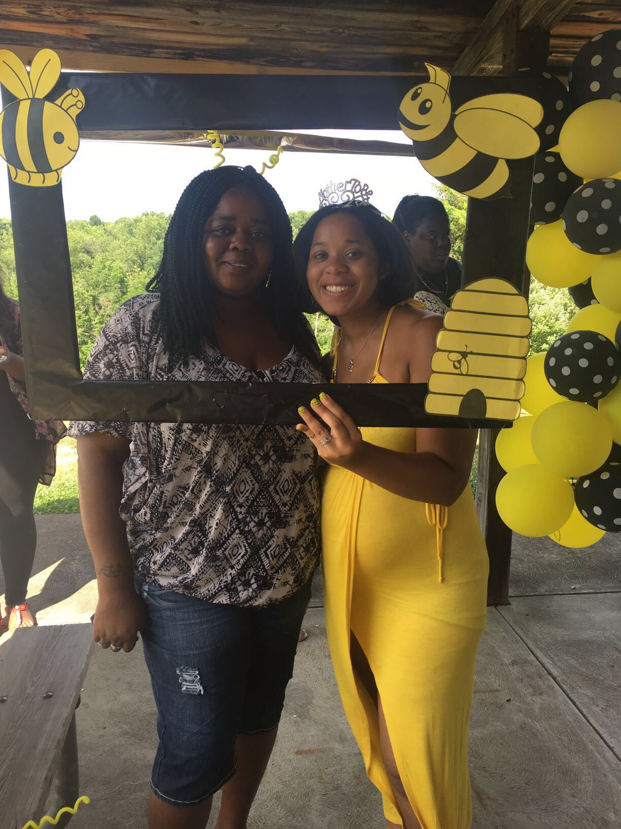 Bumble bee baby shower photo booth tamaras creations bumble bee baby shower photo booth solutioingenieria Choice Image