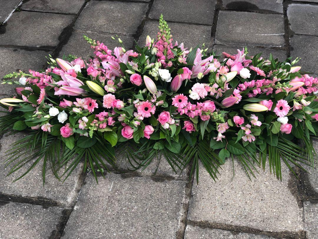Dessus De Cercueil Rose Fleurs Deuil Gerbe De Fleurs Fleurs