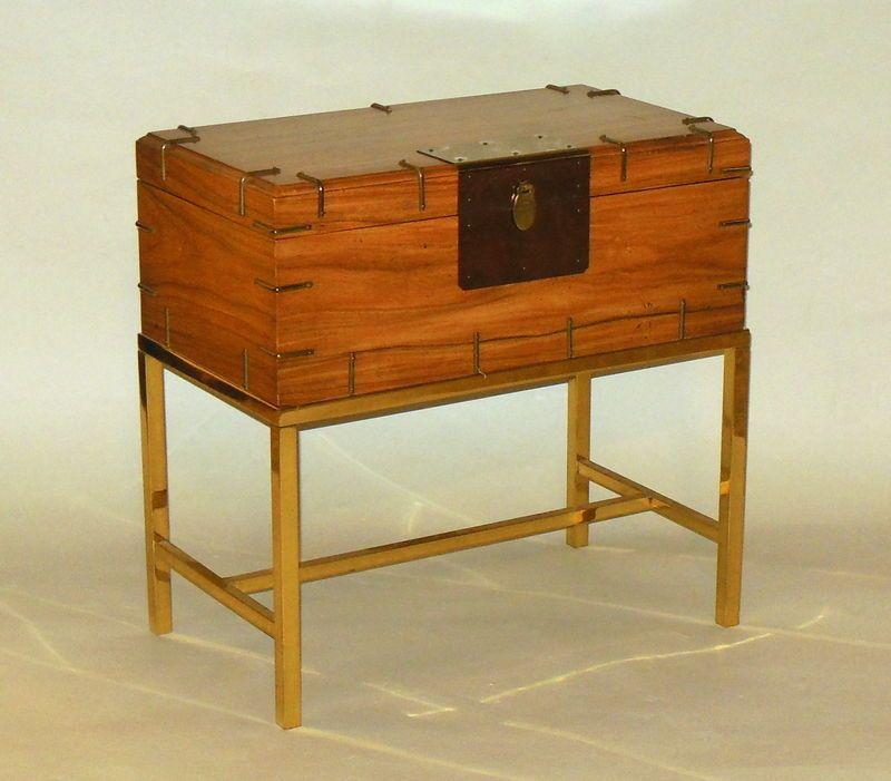 Vintage Baker Furniture Campaign Trunk Drink Table on Brass Detail Frame Stand #BakerFurniture