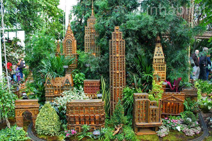 e240882c05d74452e8ce787110768304 - Holiday Train Show Ny Botanical Gardens