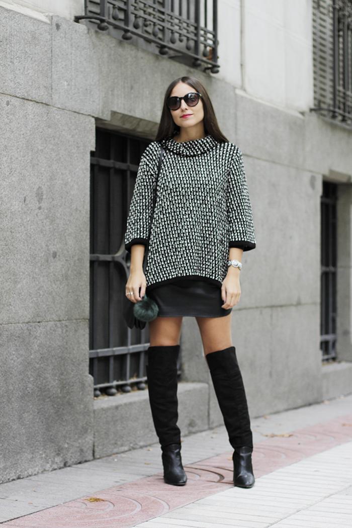 ALL THAT SHE WANTS - blog de moda  Mini falda y botas altas  6e9536f0a0ba