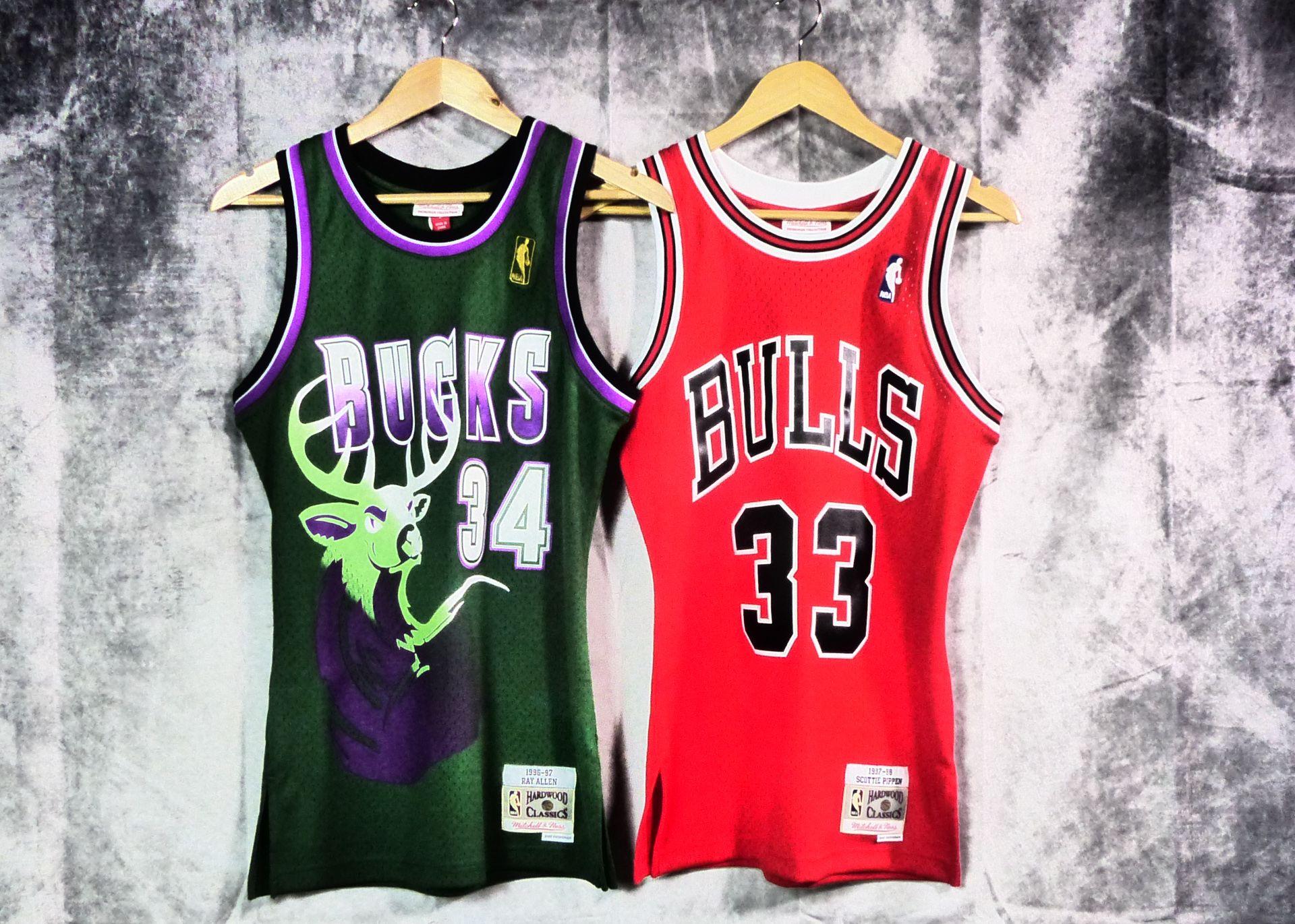 Camiseta De Rayallen Milwaukebucks Y Scottiepippen Chicagobulls Retronba Hardwoodclassics Mitchellandness Basketspiritmadrid Ropa De Moda Ropa Moda