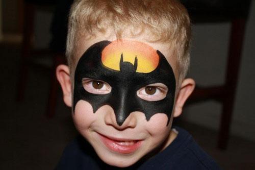 Diy Batman Face Paint Diy Bats Superheroes Superhero Facepainting Birthdays Birthday Superhero Face Painting Face Painting Halloween Batman Face Paint
