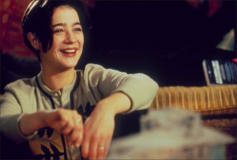 Moira Kelly With Honors 1994 90s Makeuphairstyles Moira Kelly