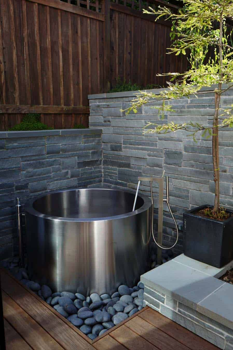 28 Most Incredible Outdoor Tub Ideas For An Invigorating