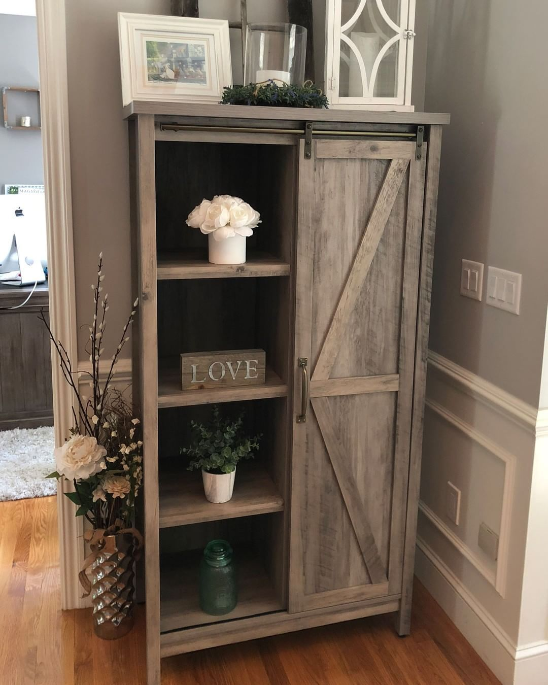 Livhomedecor Shows Off Her Newly Decorated Entryway With The