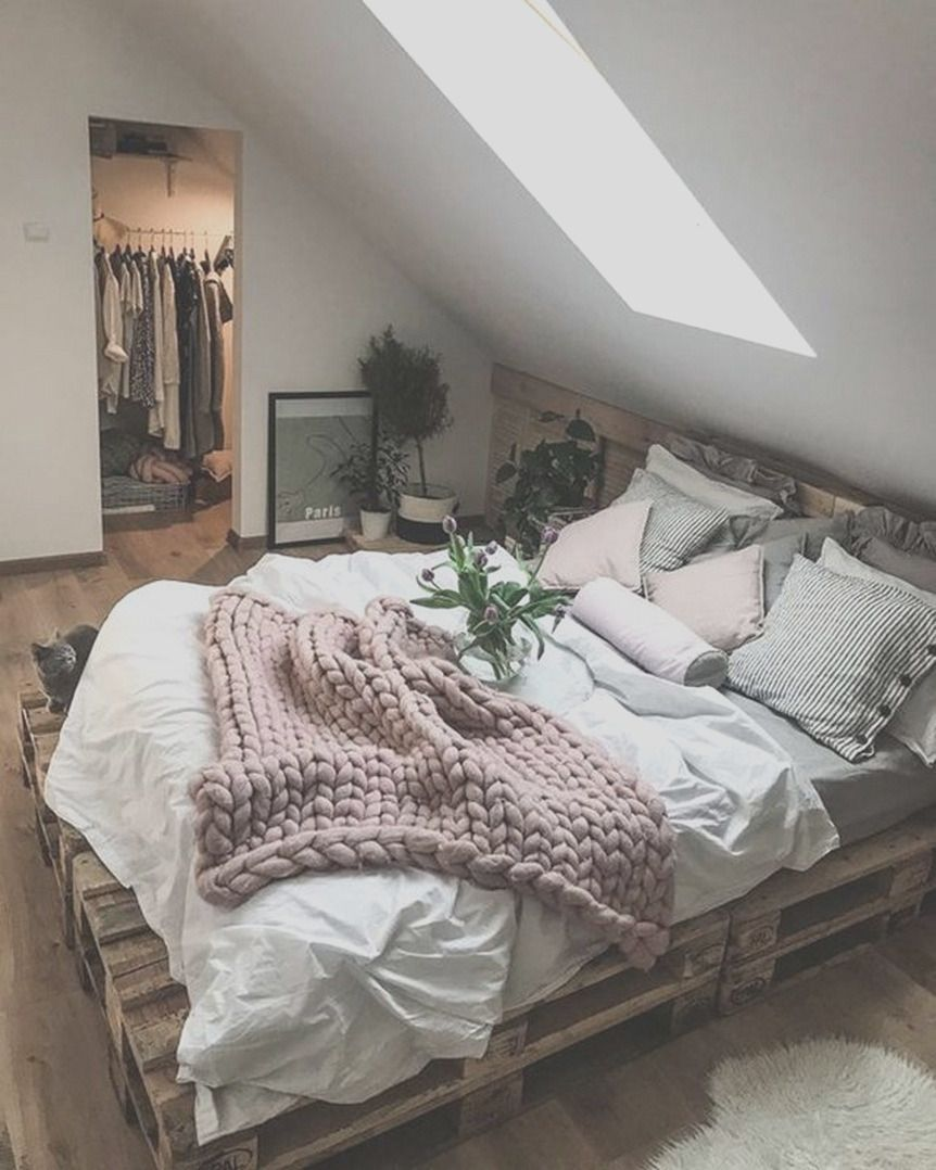 33 Cozy Minimalist Bedroom Decorating Ideas - Home Decor Ideas