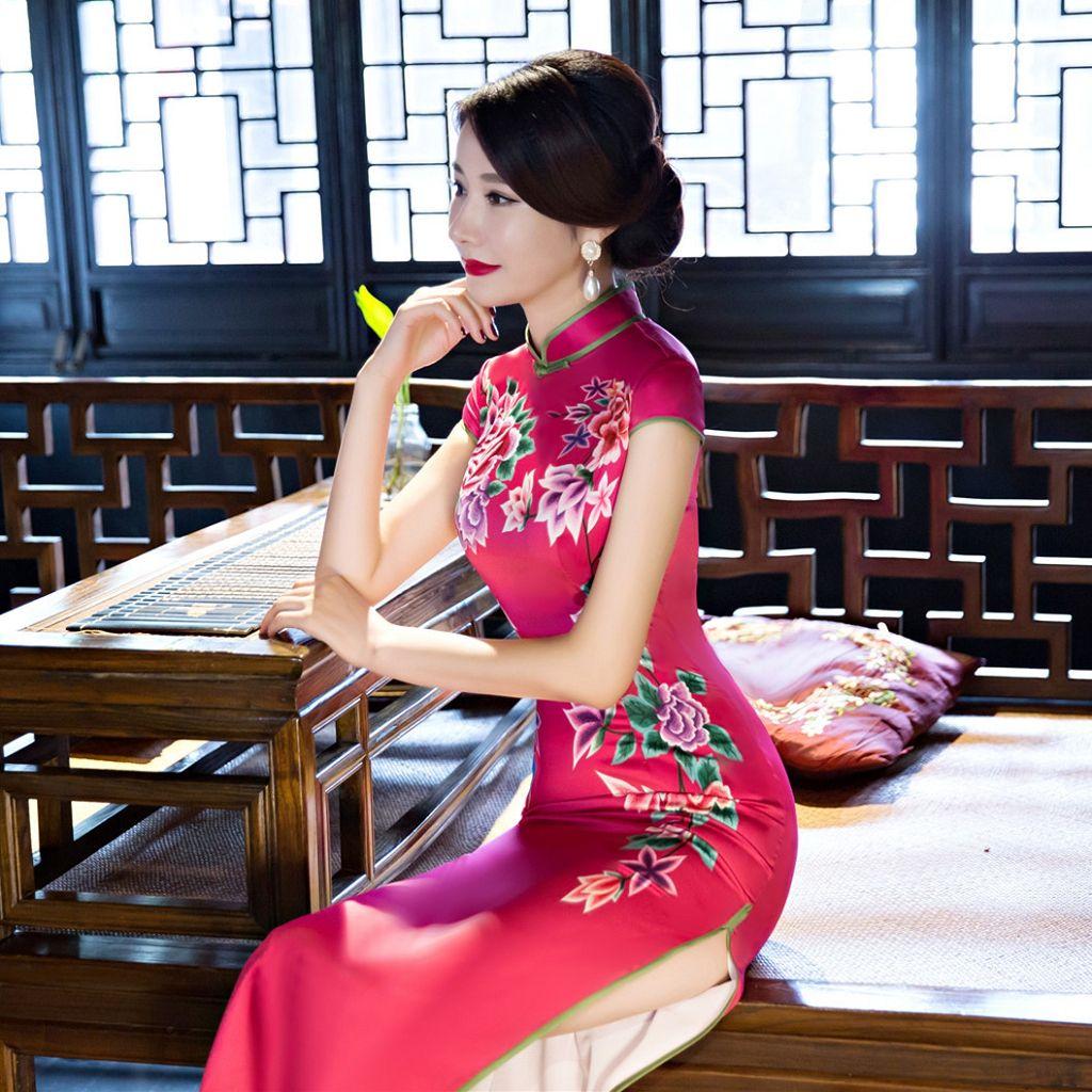 Long Cheongsam Chinese Ladies Elegant Silk Vintage Chinese Traditional Plus Size For Women Cheongsam Dress With Cheongsam Dress Chinese Gown Womens Kimono [ 1024 x 1024 Pixel ]