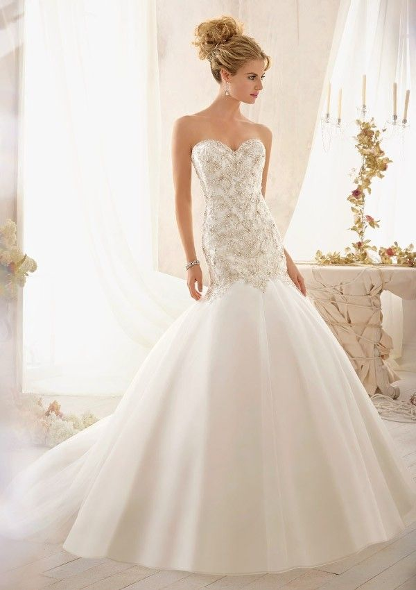 Mori Lee -Engelsk design - Hollywood - Glamour : Diin Brud og Selskap