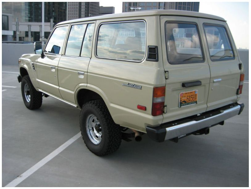 Land Cruiser FJ62 with ambulance doors, for sale | Mostly