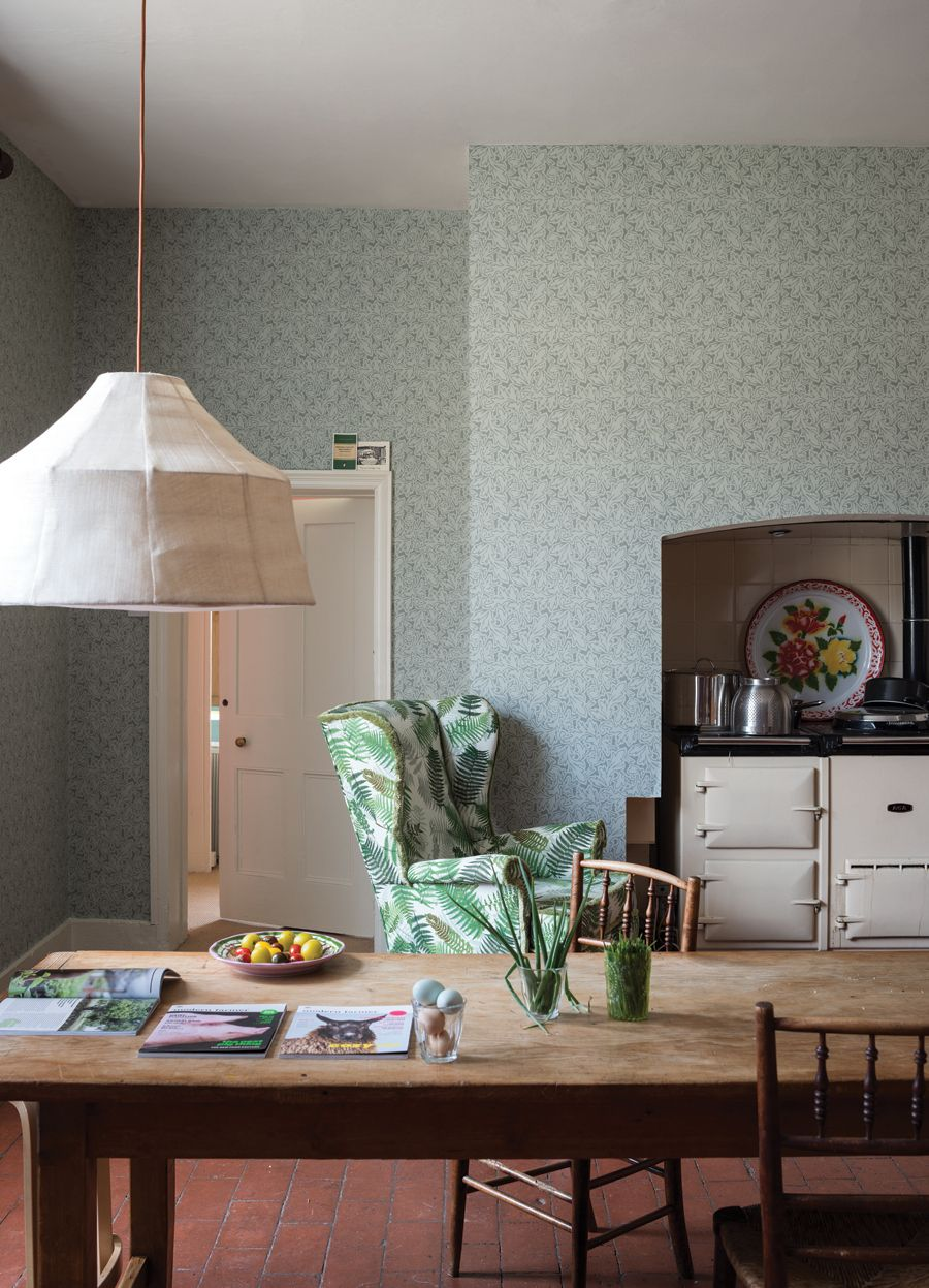 WIN! Farrow & Ball Wallpaper for any room in your home! Oh la la! Value at over $600 USD! See decor8 for details, you can enter once daily until Feb 14, 2015