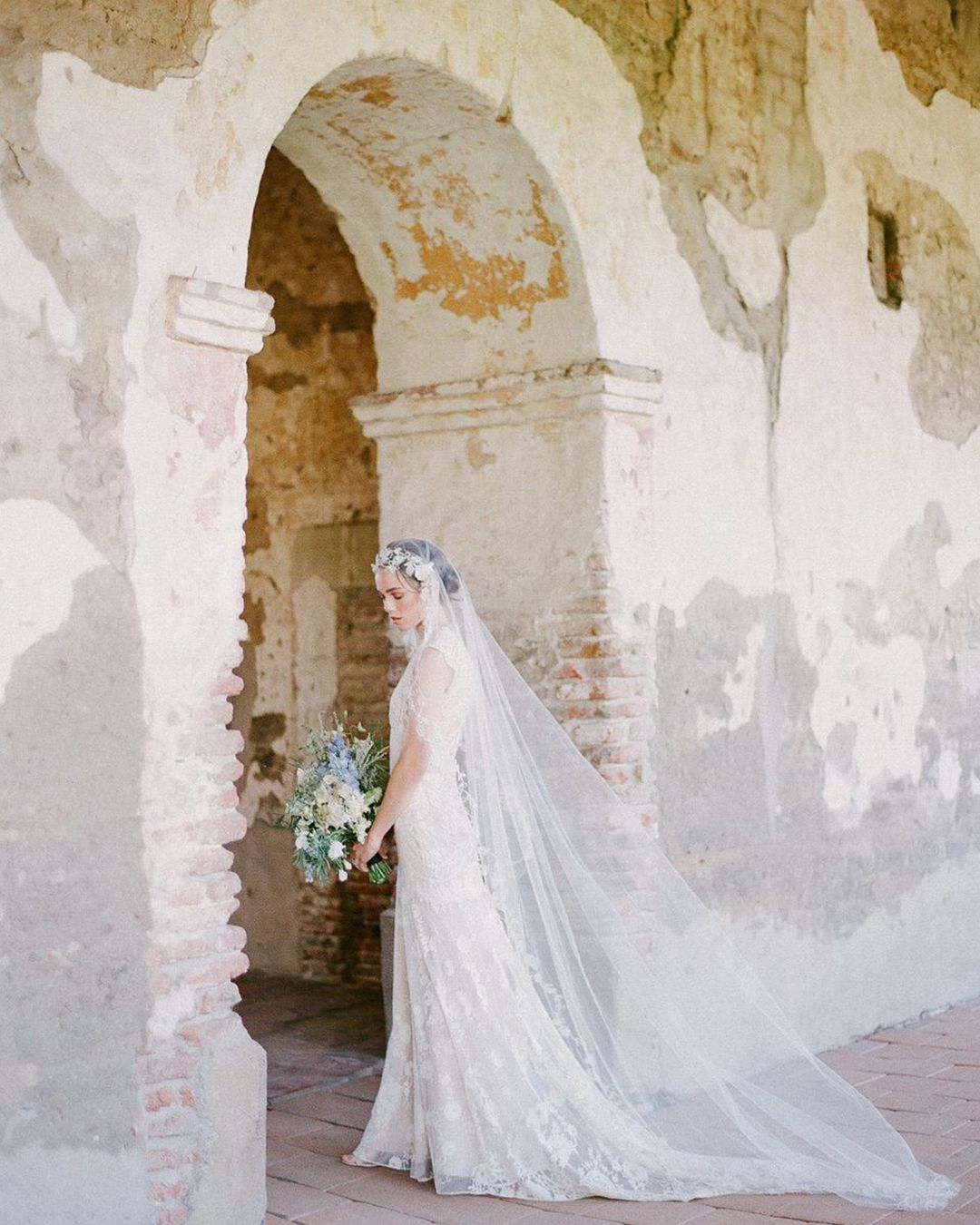Vintage Wedding Dresses Miami: Love The Contrast Of Lace And Romantic Tulle Set Amidst