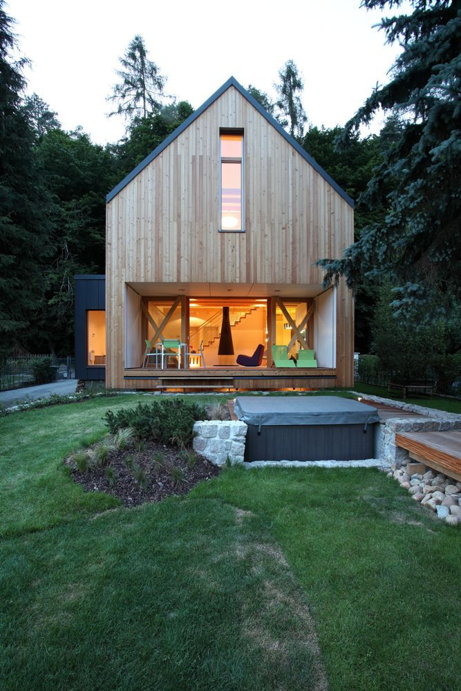 Modern small house in czech by domesi tiny houses for Wochenendhaus modern bauen