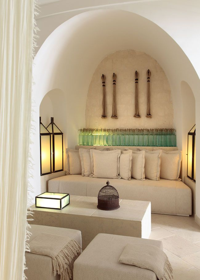 Contemporary chic all in white color scheme with a hint of mint green decor. Photo by Menossi. Borgo Egnazia.